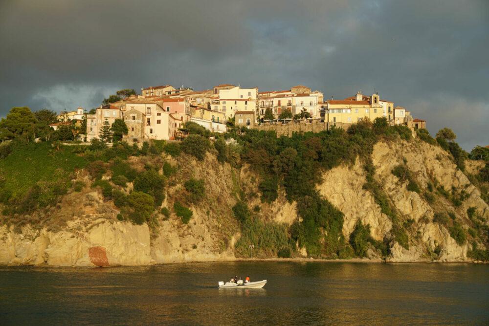 Agropli Altstadt auf Hügel