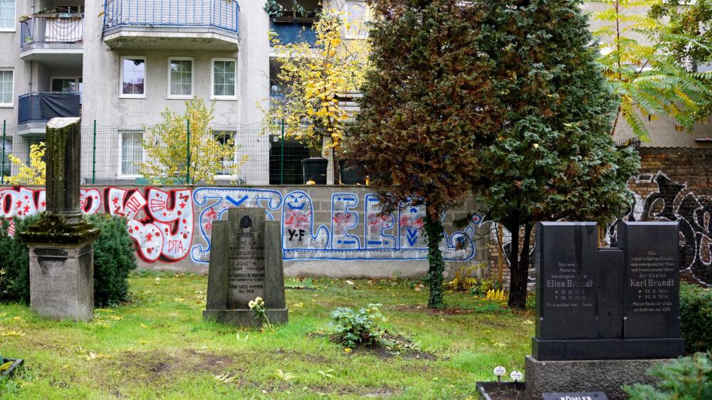 Graffiti auf Friedhof St Jacobi Berlin