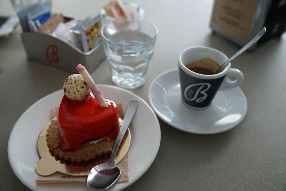 Süße Versuchung und Espresso