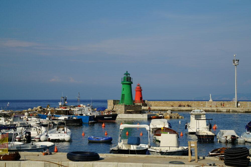 Giglio Hafeneinfahrt