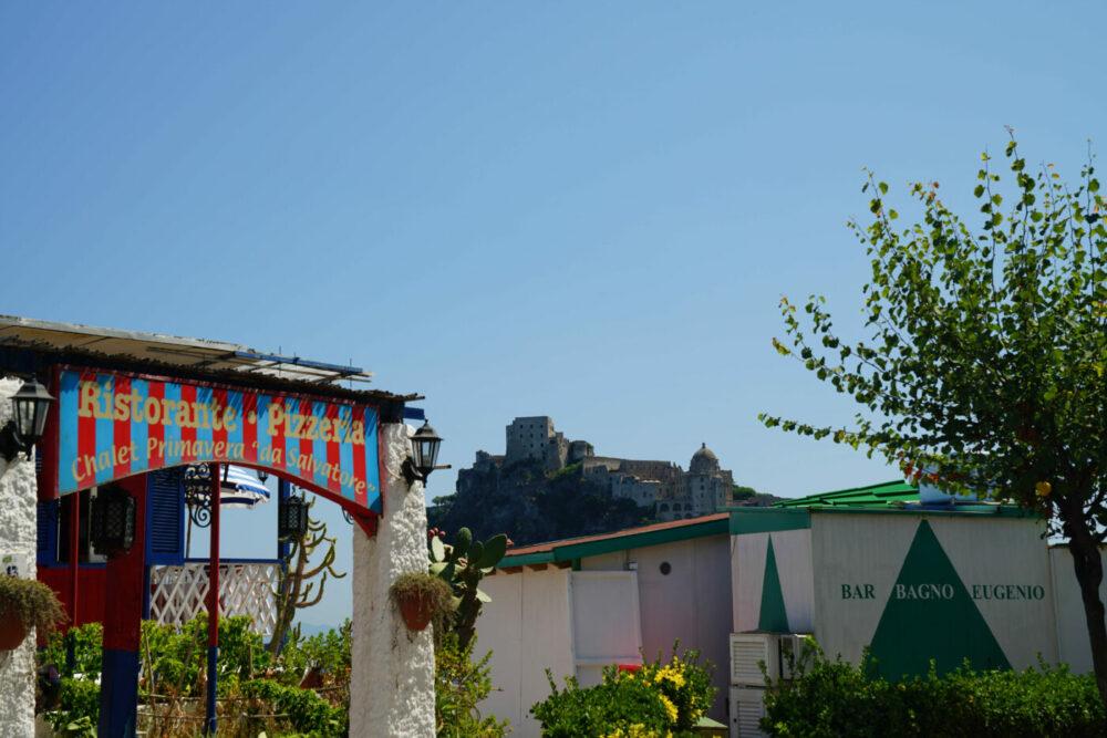 Ischia Aragoner Burg Ansicht von der Stadt aus