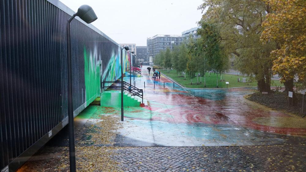Katharina Grosse Hamburger Bahnhof Außengelände