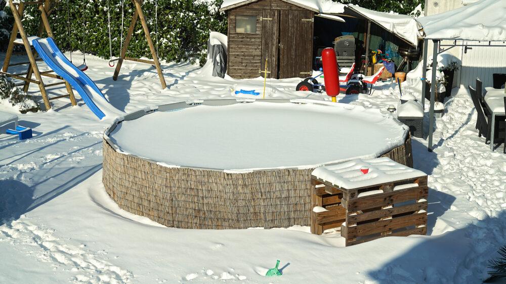 Planschbecken im Schnee