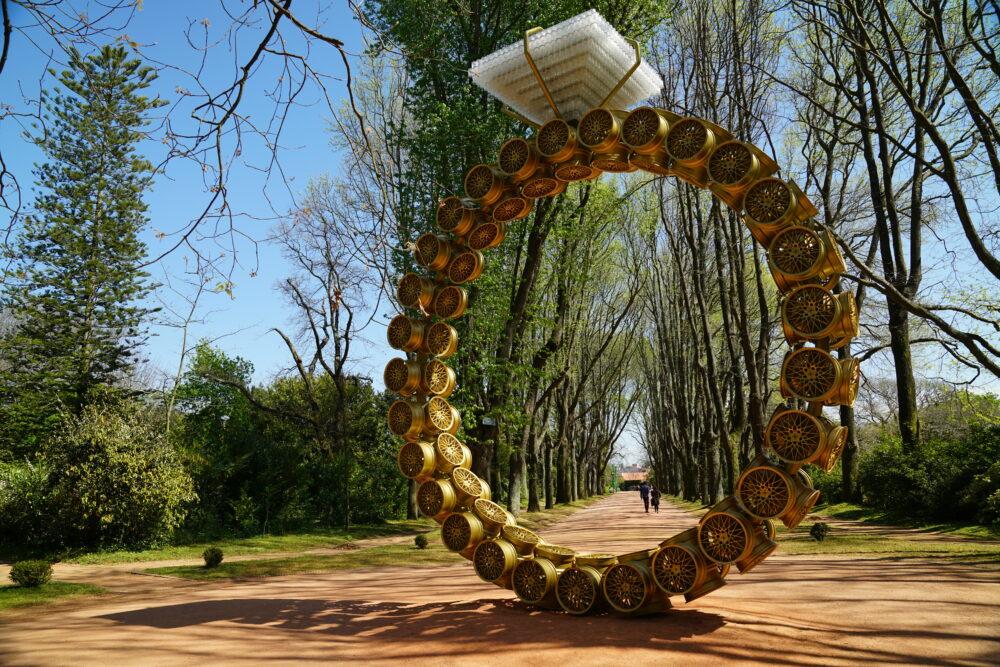 Kunstwerk Überdimensionaler Ring