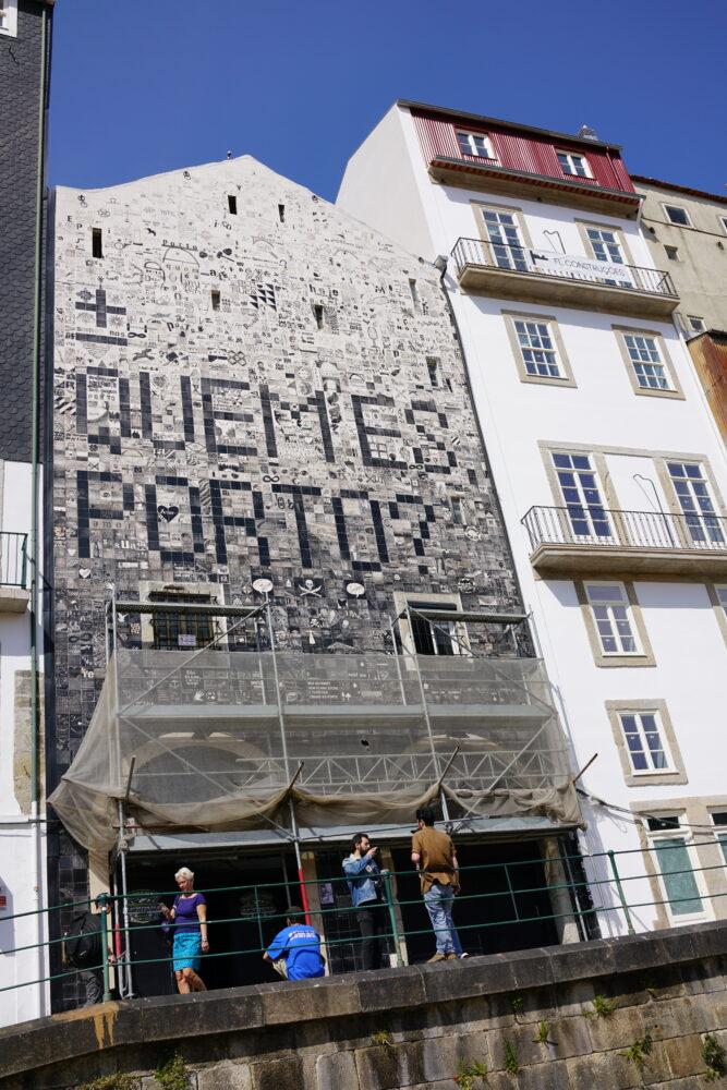 Porto Kunst-Kacheln auf Hauswand