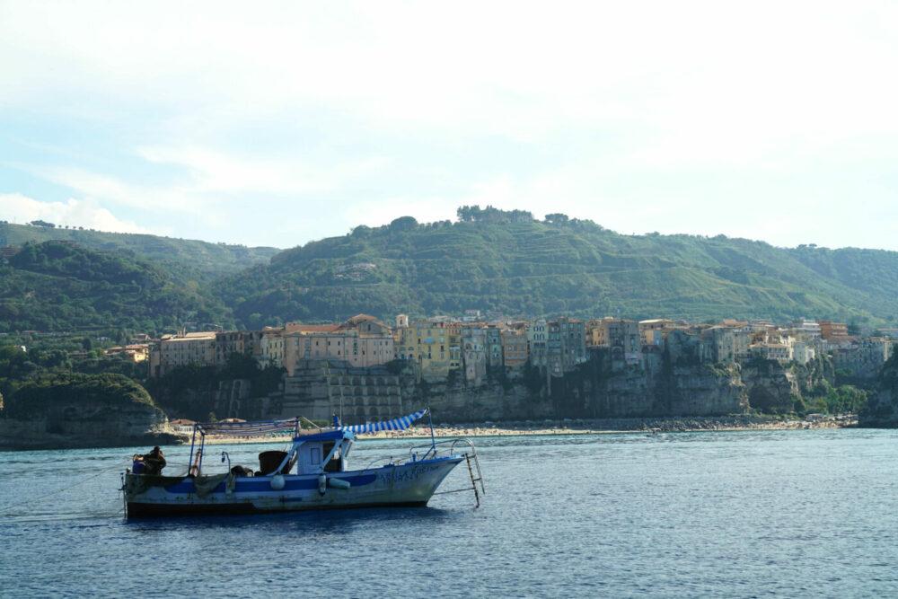 Fischerboot vor Tropea