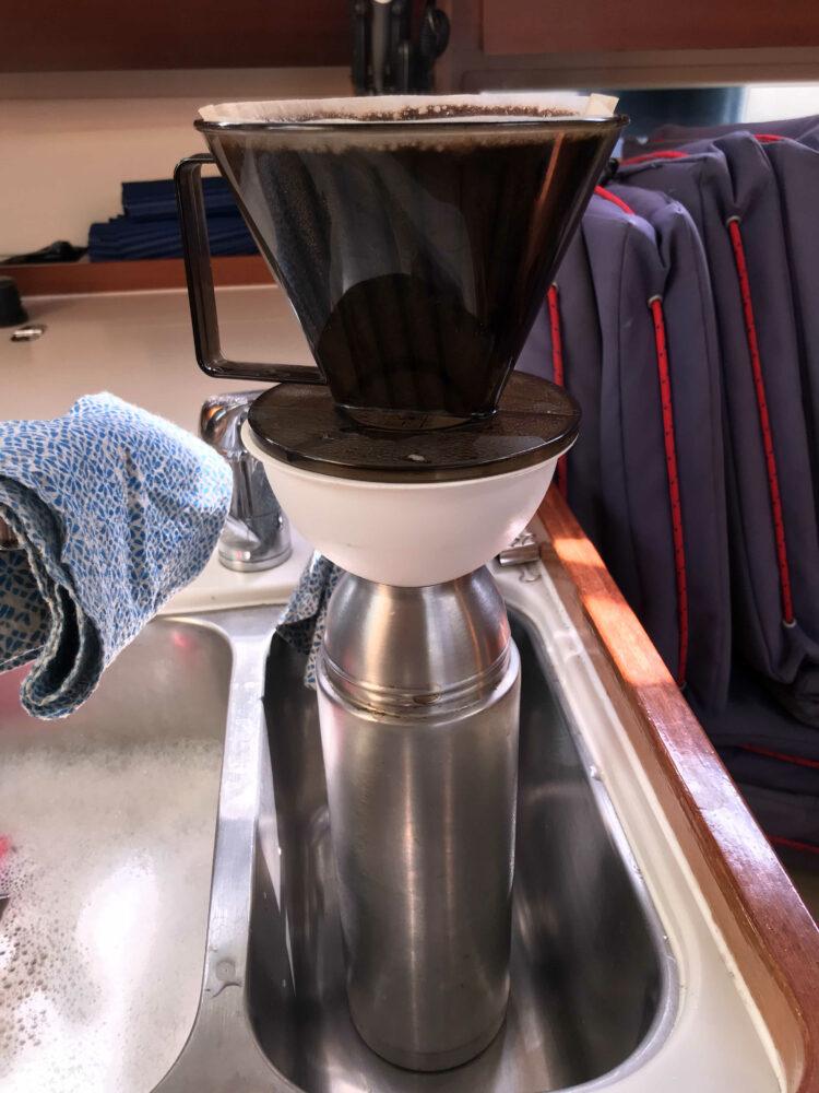 schiffsuntaugliche Kaffeekoch-Konstruktion
