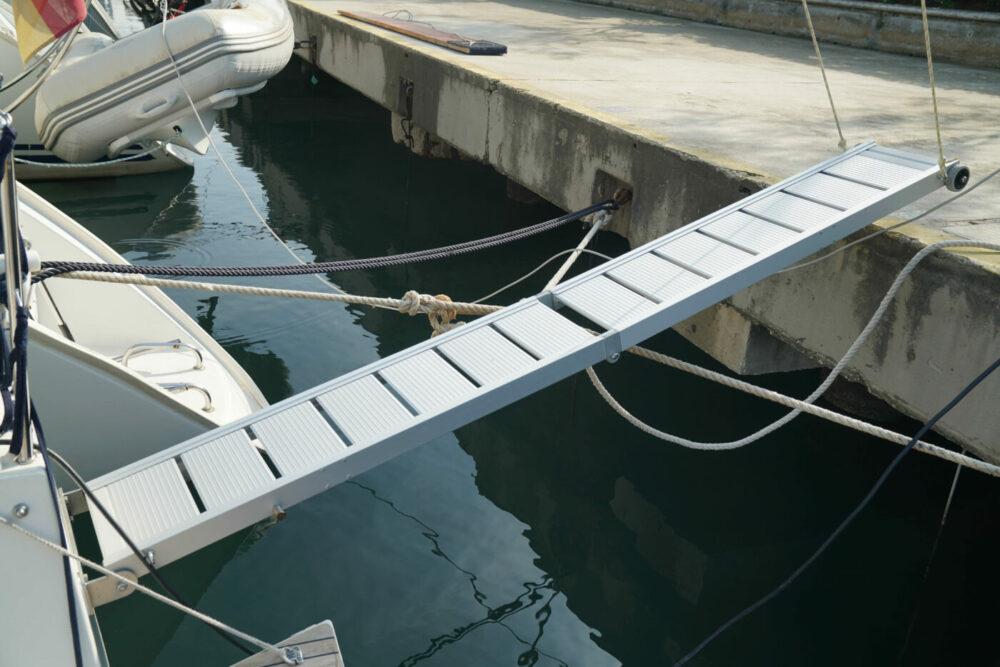 Segelyacht Gangway